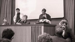 Đồng sáng lập phong trào 22/03, Daniel Cohn-Bendit trong một buổi họp báo tại giảng đường ở Nanterre, ngày 10/05/1968.