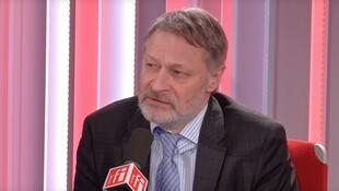 Политолог Дмитрий Орешкин в студии RFI