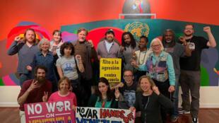 Coletivo de ativistas americanos que ocupou a embaixada da Venezuela em Washington.