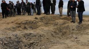 Iraque: cratera deixada por bombardeio de míssil iraniano lançado no mesmo horário em que o o general Soleimani foi assassinado pelos americanos na semana passada em Bagdá.