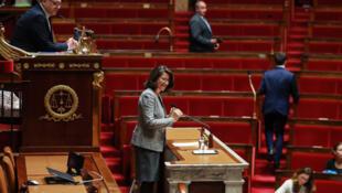 Agnès Buzyn s'adresse à l'Assemblée Nationale pour introduire le débat sur la loi de bioéthique qui envisage de donner le droit à la PMA à toutes les femmes.