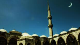 Mùa chay Hồi giáo ramadan bắt đầu từ cuối tháng 6, đầu tháng 7 và kéo dài trong một tháng - Getty Images