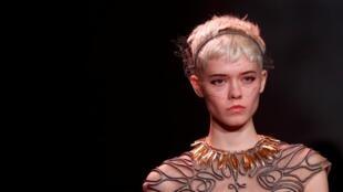 A maison Dior apresentou sua coleção, como de costume, no primeiro dia dos desfiles da alta-costura.