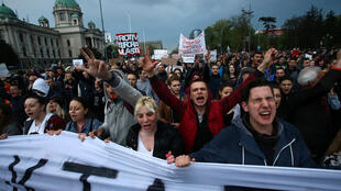 Акция протеста в Белграде, Сербия, 5 апреля 2017.