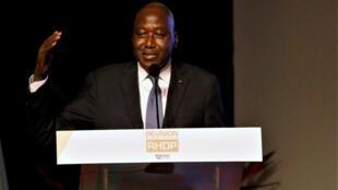 Amadou Gon Coulibaly akizungumza baada ya kuteuliwa kama mgombea wa chama cha RHDP katika uchaguzi wa urais wa Oktoba 31, 2020. Machi 12, 2020.