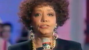 Ca sĩ Nancy Holloway lập nghiệp tại Paris từ năm 1957