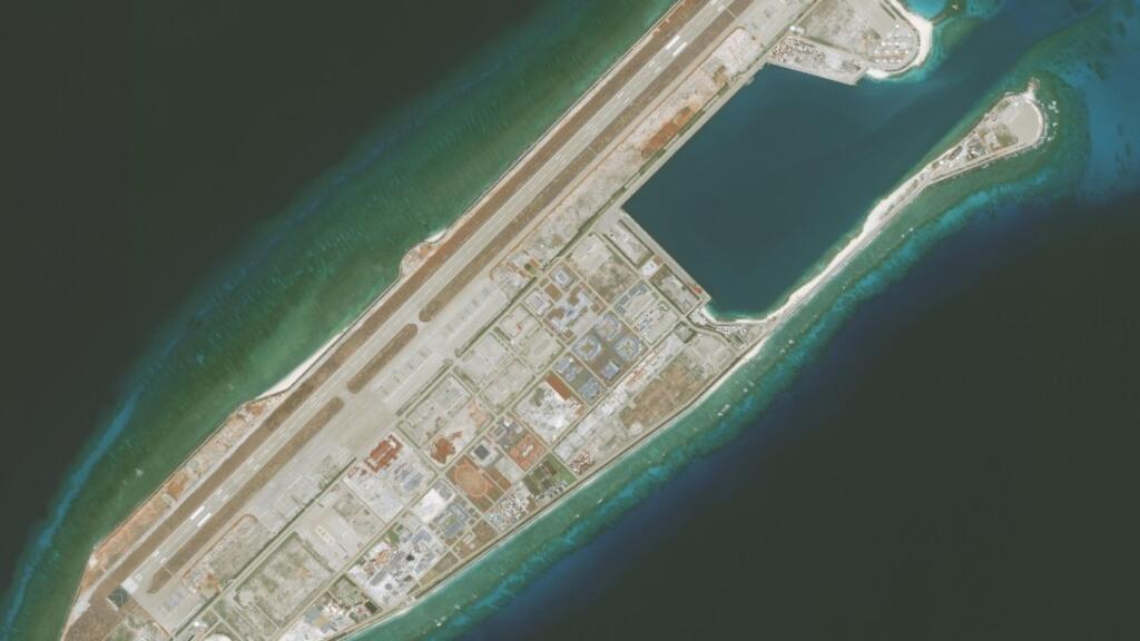 Biển Đông: Việt Nam phản ứng về việc Trung Quốc đưa phi cơ quân sự đến Đá Chữ Thập