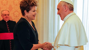 Presidenta Dilma Rousseff durante encontro com Sua Santidade, Papa Francisco no Palácio Apostólico.