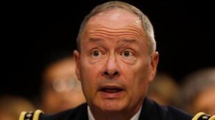Keith Alexander, el director de la agencia nacional de seguridad (NSA), ha rehusado recibir a la delegación.