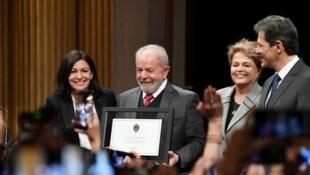 Lula da Silva al lado de Dilma Roussef, Anne Hidalgo y Fernando Haddad