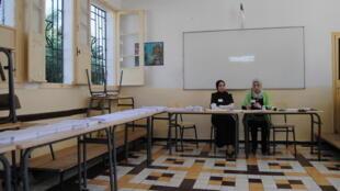 Mesa de voto em Argel