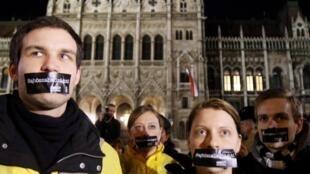 Manifestation pour la liberté de la presse à Budapest en Hongrie, le 14 janvier 2011.