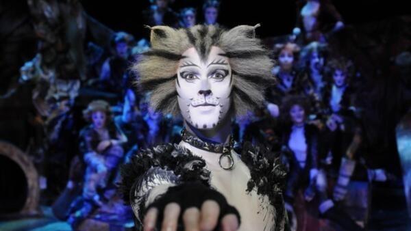 音樂歌舞劇《貓》2015年10月1日在巴黎上演