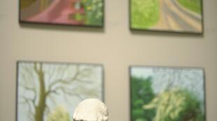 L'artiste britanique David Hockney, au musée Guggenheim à Bilbao, en Espagne.