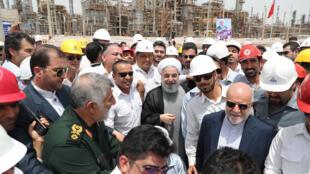 El presidente Rohani en la inauguración este domingo de la nueva refinería en el sur del país