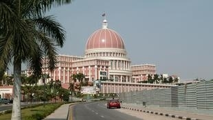 Angola aprova OGE para impulsionar economia