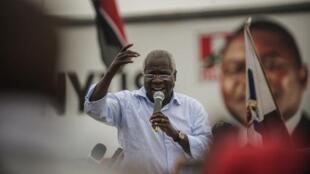 O candidato da Renamo Afonso Dhlakama em comício a 11 de Outubro de  2014 em Maputo, Moçambique.