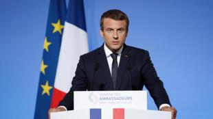Emmanuel Macron aquando do discurso aos embaixadores a 29 de Agosto de 2017 no Eliseu.
