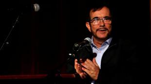 """Colombia : Lãnh tụ lực lượng FARC Rodrigo Londono hay """"Timochenko"""", phát biểu nhân kỷ niệm một năm hòa bình được thiết lập. Ảnh tại Bogota, ngày 24/11/2017."""