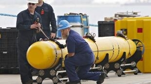 O Pentágono anunciou nesta segunda-feira(31) que enviou à Austrália uma sonda submarina autônoma para ajudar nas buscas do avião.