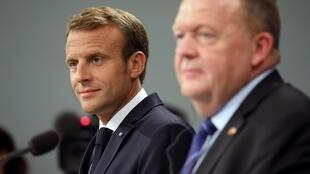 French President Emmanuel Macron (L) and Denmark's Prime Minister Lars Lokke Rasmussen give a joint press conference following a meeting on August 28, 2018 at Christiansborg Castle in Copenhagen.