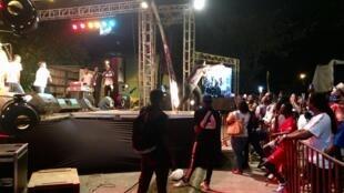 Concert de l'artiste Nash, durant le MASA festival. Esplanade lagunaire, Palais de la culture d'Abidjan.