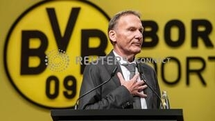 Dortmund chief executive Hans-Joachim Watzke claims that Paris Saint-Germain will struggle with the pressure to advance past the last 16.