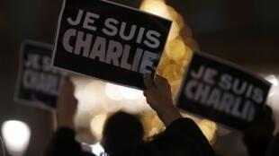 «Je suis Charlie»: (sou Charlie), a palavra de ordem da manifestação de repúdio em Paris após o ataque do Charlie Hebdo