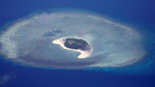 Một hòn đảo không có người ở thuộc quần đảo Trường Sa, Biển Đông. Không ảnh chụp ngày 21/04/2017.