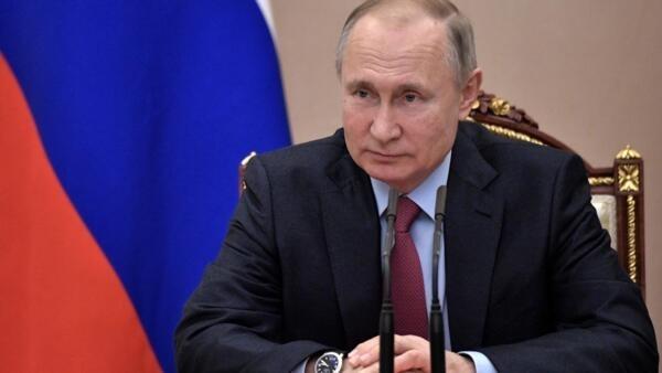 El presidente Vladimir Putin, durante una reunión con miembros del Consejo de Seguridad, en Moscú.