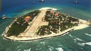 圖為南海南沙群島南威島遠眺