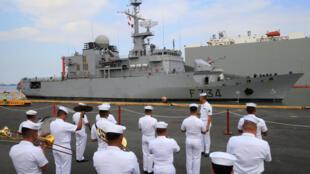 Hải quân Philippines đón tiếp chiến hạm Pháp Vendémiaire tại cảng Manila ngày 12/03/2018.