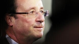 Security conscious - Socialist presidential candidate François Hollande