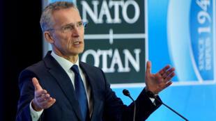Tổng thư ký khối NATO trong một cuộc họp với Bộ Ngoại Giao Mỹ, tại Washington ngày 4/4/2019.