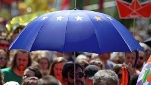 """Ảnh minh họa : Người dân Áo tuần hành vì """"Một châu Âu cho mọi người"""", ngày 19/05/2019."""