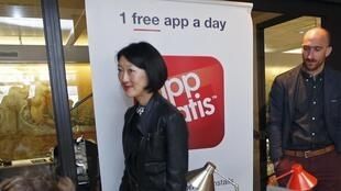 Digital Economy Minister Fleur Pellerin visits the AppGratis company in Paris