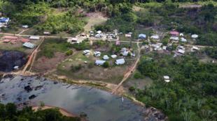 Em plena floresta amazônica, Guiana Francesa faz fronteira direta com o Brasil.