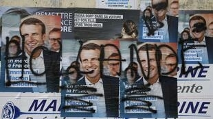 Согласно опросам общественного мнения, 20% французов хотели бы прийти проголосовать на президентских выборах, но им не нравится ни один из кандидатов.