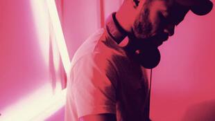 DJ Thy San toca há 9 anos em Paris