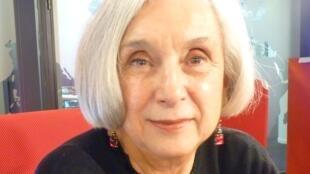 La escritora mexicana Patricia Rodríguez en los estudios de RFI en París.