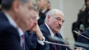 Президент Беларуси поручил завершить переговоры с Россией и обеспечить поставки нефти из альтернативных источников