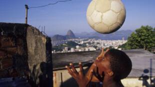 A ONG Solidar lançou uma campanha por uma Copa do Mundo mais justa.