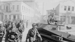 Imagem de arquivo das tropas alemãs em Atenas, em 1941.