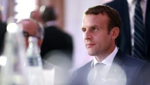 64% французов одобряют действия нового президента Франции Эмманюэля Макрона