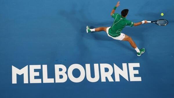 O tenista Novak Djokovic durante a partida contra o alemão Jan-Lennard Struff