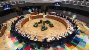 """Conselho Europeu termina sem acordo para o """"super orçamento"""" do bloco nos próximos sete anos (2021-2027)"""