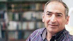 صادق زیبا کلام، استاد علوم سیاسی در دانشگاه تهران