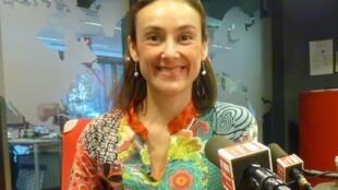 La actriz mexicana Sophie Alexander-Katz en los estudios de RFI