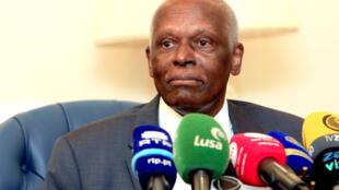 José Eduardo dos Santos, durante uma conferência de imprensa na sede da sua fundação FESA, Luanda, 21 de Novembro de 2018.