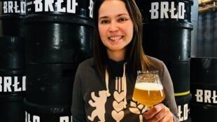 Verônica Menzel, a primeira mestre cervejeira de Berlim.